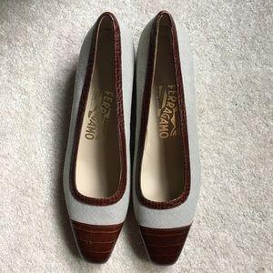 Salvatore Ferragamo Italian Loafers Leather EUC